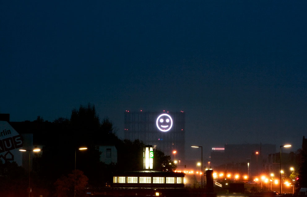 Smiley Face Visualizations from Mood Data of a City